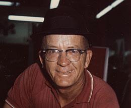 Orville O. Nix (1911-1972), spettatore del corteo che filmò l'attentato di fronte alla collinetta erbosa